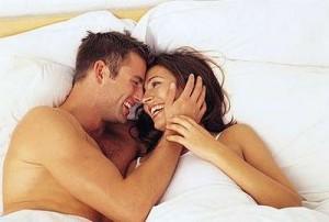 Dashuria apo pasioni? Kush na e zgjat jetën