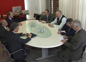 Edi Rama takim me trojkën e ambasadorëve, diskutim për zgjedhjet dhe statusin