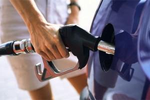 Benzina dhe dizeli lirohen deri në një denar