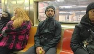 Miliarderi i Google udhëton në metronë e Nju Jorkut