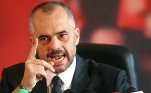 Edi Rama: Kush voton Sali Berishën në qershor tall veten keq fare