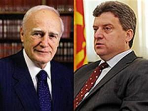 Karolos Papulas refuzon ftesën e Ivanovit
