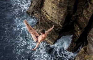 Pamjet më spektakolare të hedhjes në ujë që keni parë ndonjëherë
