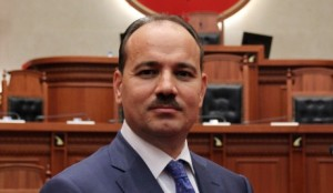 Bujar Nishani, presidenti që po bën Presidentin
