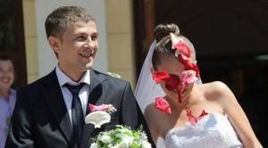 Dasma kthehet në sherr masiv për një kofshë pule