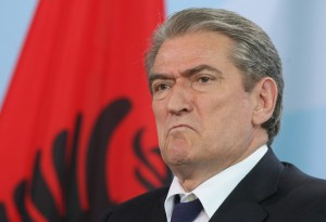 Financat përgënjeshtrojnë Sali Berishën