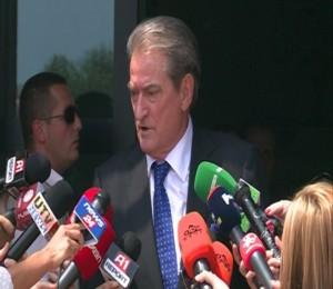 Sali Berisha apel Ramës: Mos blloko numërimin e votave