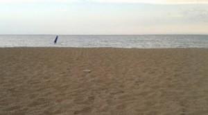 Një 12- vjeçar, goditet nga rrufeja në plazh!