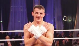 Krasniqi sonte bokson me polakun Adamek