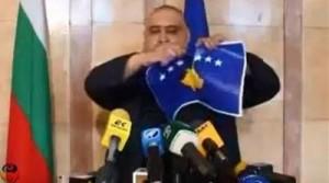 Ambasada bullgare sqaron aktin e grisjes së flamurit të Kosovës