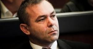 Rexhep Selimi : Nuk largohem nga VV