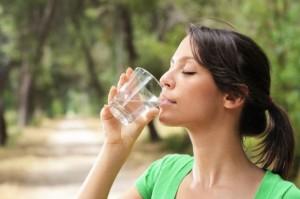 Mos qëndroni pa ujë dhe kalcium në Ramazan