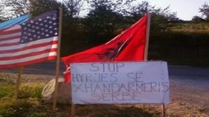 Xhandarmëria serbe lëviz lirshëm në rrugët e Kosovës