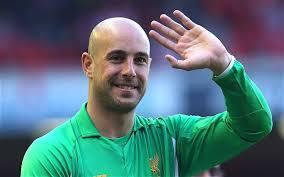 Pepe Reina nuk do të kthehet te Liverpooli