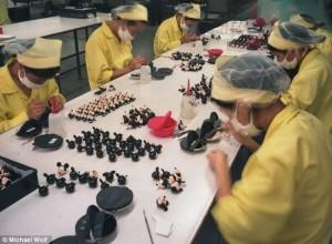 Ja si trajtohen punëtorët në Kinë!