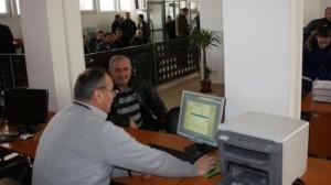 Agim Bahtiri zgjatet orari i punës në Gjendjen Civile në Mitrovicë