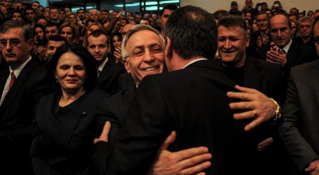 Fatmir Limaj e Jakup Krasniqi zyrtarizuan partinë e re