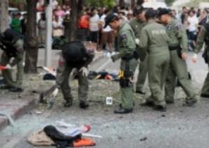 Përleshje në Bangkok mes protestuesve dhe policisë
