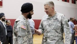 Ushtria amerikane lejon mbajtjen e mjekrës
