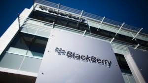 BlackBerry humb 423 milionë dollarë për tre muaj