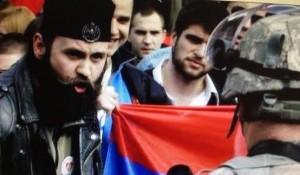 Çetniku Bratislav Zhivkoviq që patrullon në Krime, kontrollonte barrikadat në veri