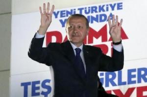 Kryeministri Erdoan shpalli fitoren