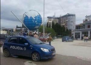Sulmohet me vezë ambasadori grek në Fierit