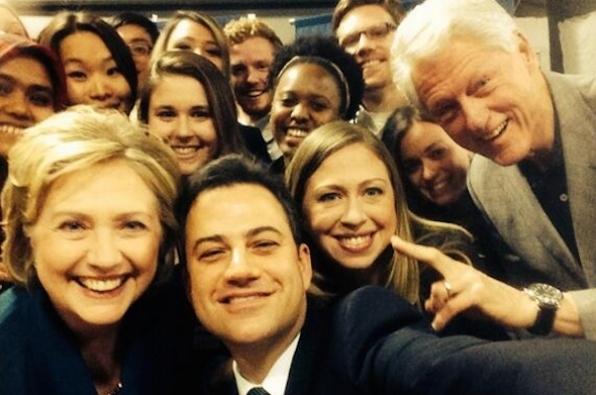 Klintonët me foto selfie në rrjetet sociale