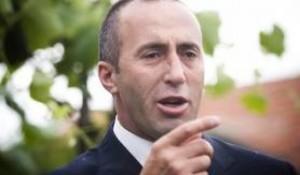 Ramush Haradinaj nënshkruan peticionin