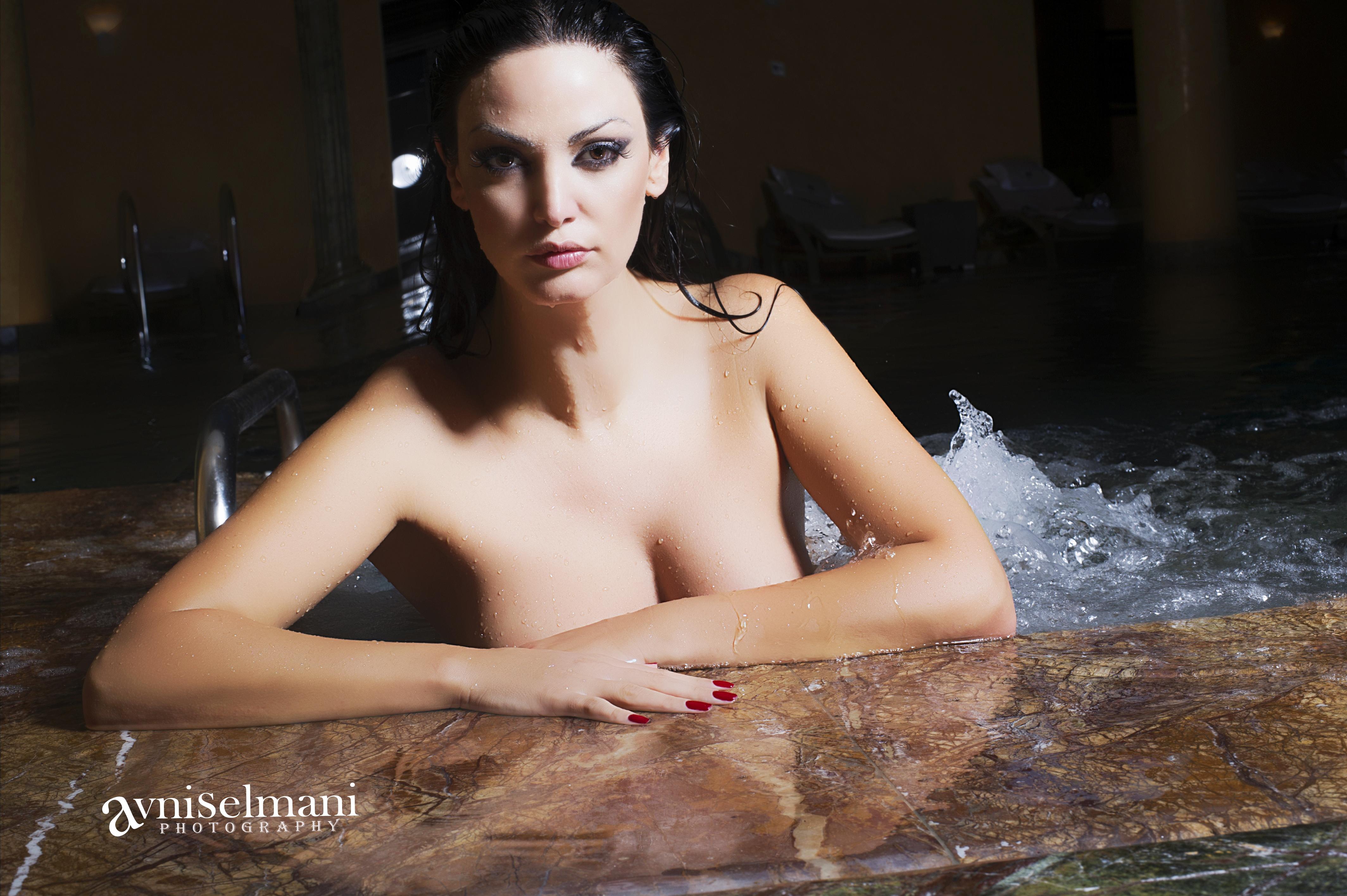 Bleona Qereti nudo