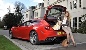 Ferrari me hapësirë edhe për qen familjar