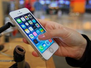 iPhone 6 vjen me dy versione, me ekran 4.7-inç dhe 5.5-inç