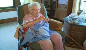 99 veçarja që nuk do të vdes pa e qepur fustanin e 1000