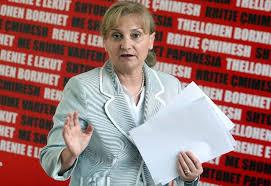 Ermelinda Meksi – Brahos: Mik, je gabim, 3 dorëheqjet tona fusin Bankën në ngërç