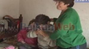 Dramë njerëzore: Babai lidh me litar tre fëmijët e sëmurë psikikë