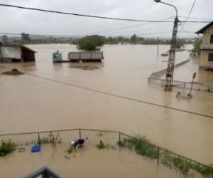 Kroacia, Sllovenia dhe Bosnja mbeten të rrezikuara nga përmbytjet