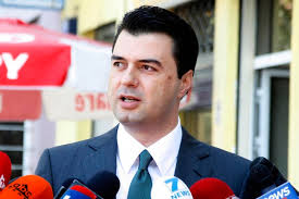 Lulzim Basha, propozim të ri për të qëndruar dy mandate në krye të PD-së