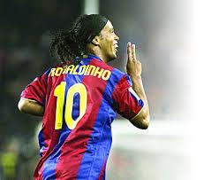 Ronaldinho merr ofertë nga Angola