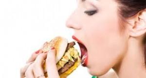 Çfarë të bëni kur ta teproni me ushqim?