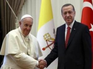 Papa Françesku vizitoi Xhaminë e Sulltan Ahmetit në Stamboll