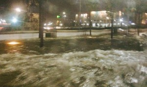 Reshje të dendura, Tirana mbulohet nga uji