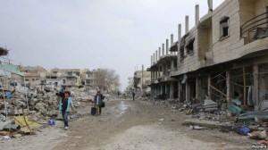 Luftëtarët kurdë përparojnë përreth Kobanit