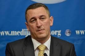 Nenad Rashiq kritikon deputetët serbë për bojkotim të Kuvendit