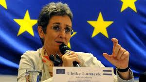 Ulrike Lunaçek: Shpresoj që largimi i madh i njerëzve ta zgjojë nga gjumi Qeverinë