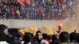 Dhunë në stadiumin e Kajros, 22 tifozë të vdekur!