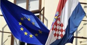 Kroacia paralajmëron bllokimin e Serbisë