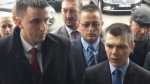 Ministrat serbë nuk dalin në punë, por pagat i marrin
